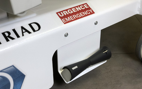 TRIAD hands-free handle